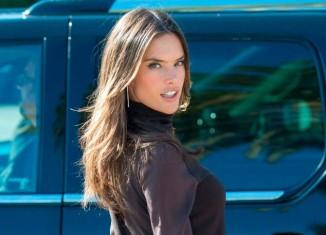 Alessandra Ambrosio sencilla y preciosa en Los Ángeles