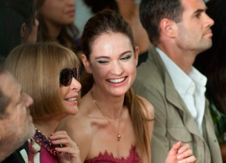 Lily James espectacular en la semana de la moda de Londres