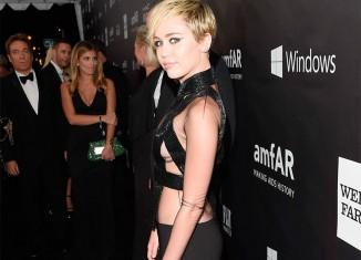 Miley Cyrus vestida de femme fatale