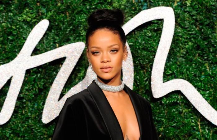 Chaqueta de Rihanna en los British Fashion Awards 2014