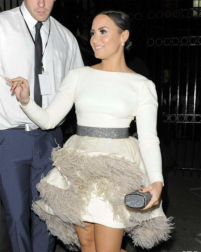 Demi Lovato con vestido