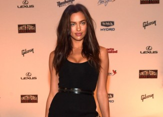 Irina Shayk con un estilo rocker chic all black