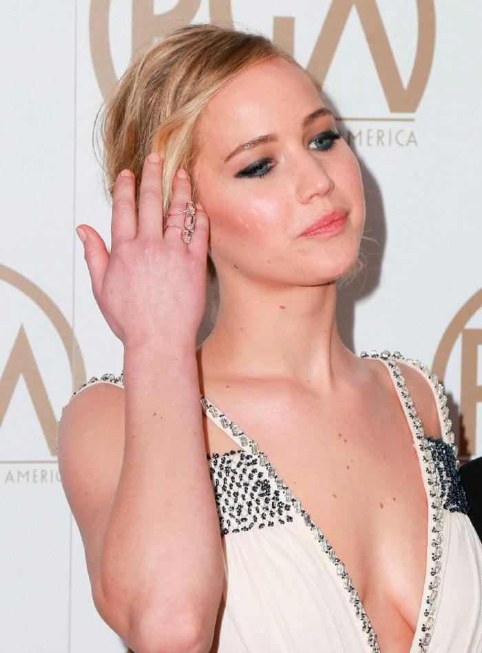 Jennifer Lawrence con su vestido Prada