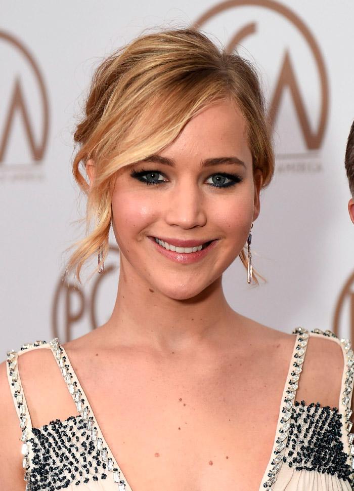 Jennifer Lawrence con vestido Prada