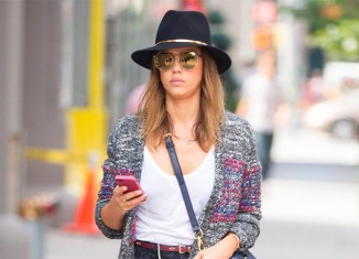 Jessica Alba casual por la calles de New York