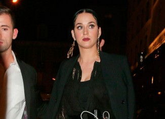 Katy Perry con un look rocker-glam