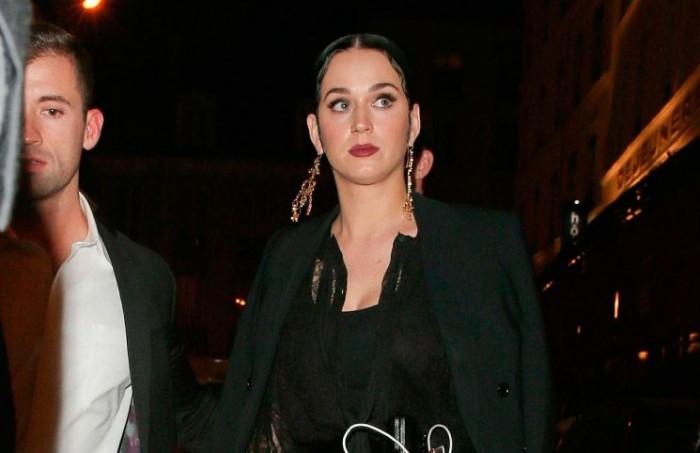 Katy Perry con un look rocker-glam