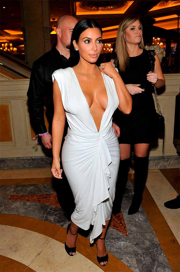 Kim Kardashian y su vestido blanco