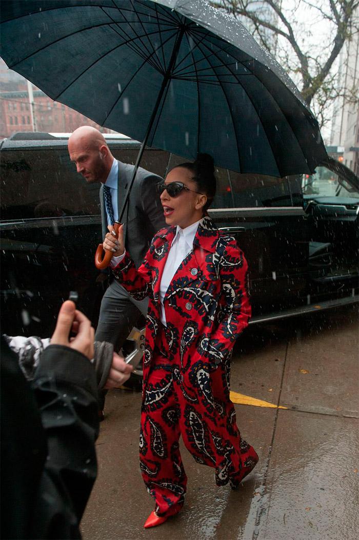Lady Gaga con otro look inovador