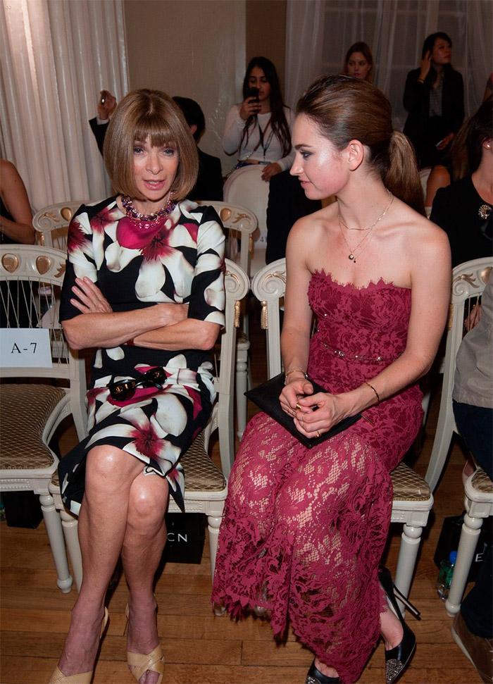 Lily James en la semana de la moda