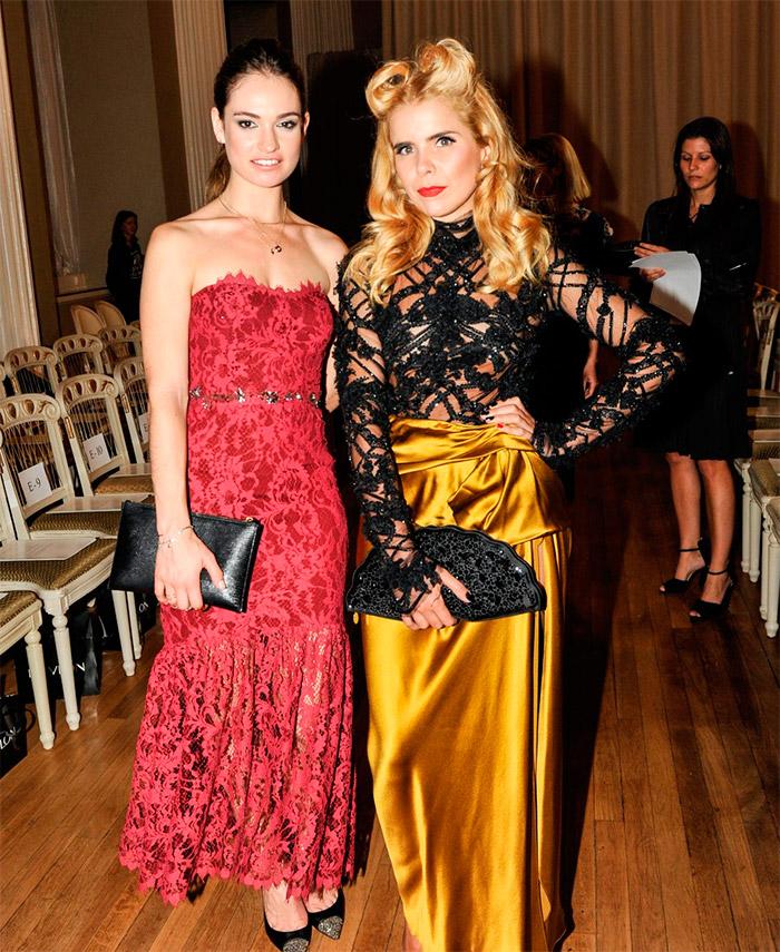 Lily James espectacular en la semana de la moda