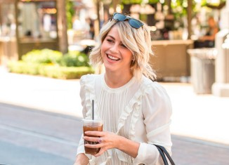 Look casual de Julianne Hough
