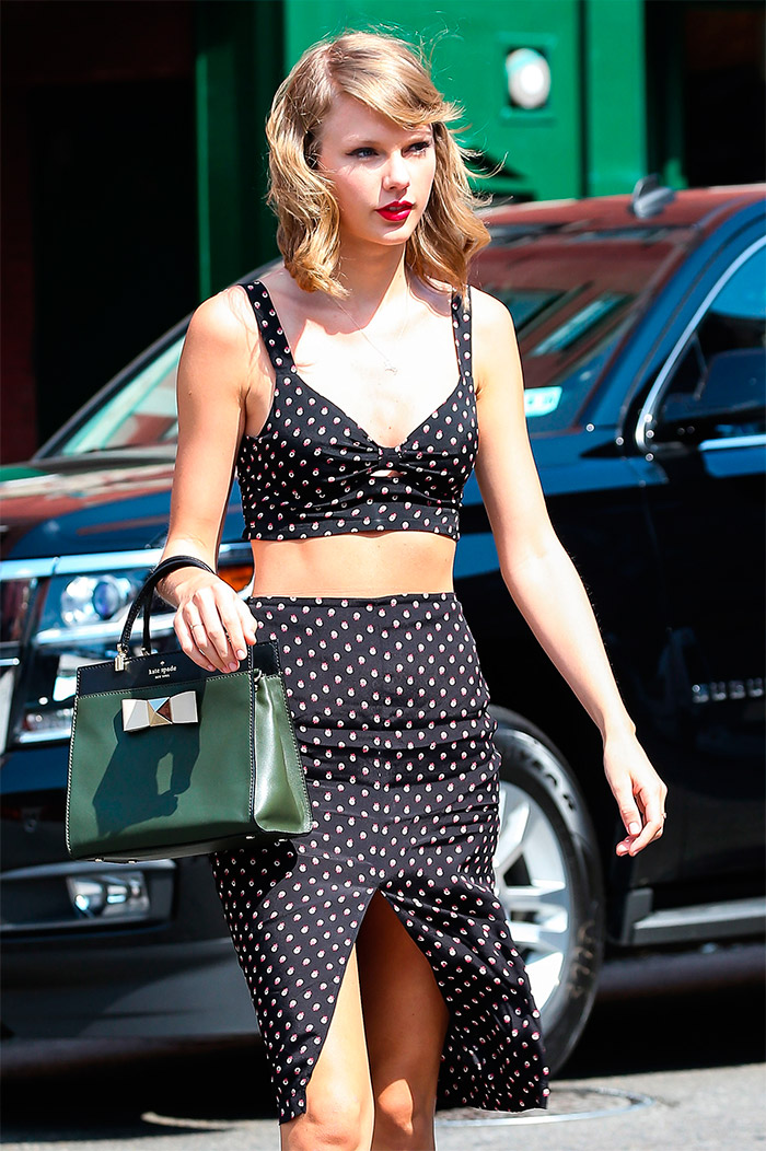 Look retro de Taylor Swift