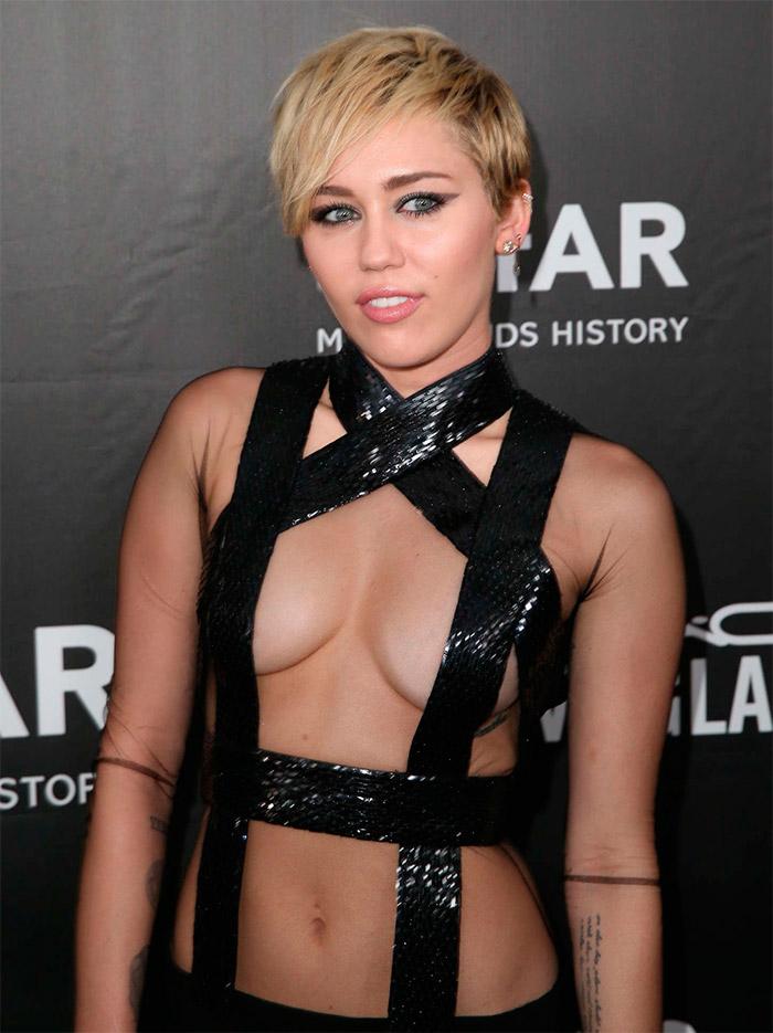 Miley Cyrus femme fatale
