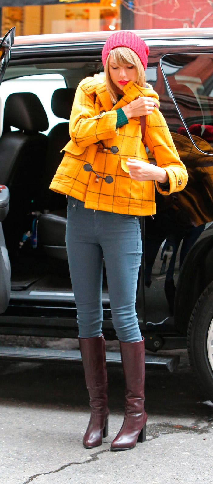 Outfit colorido de Taylor Swift