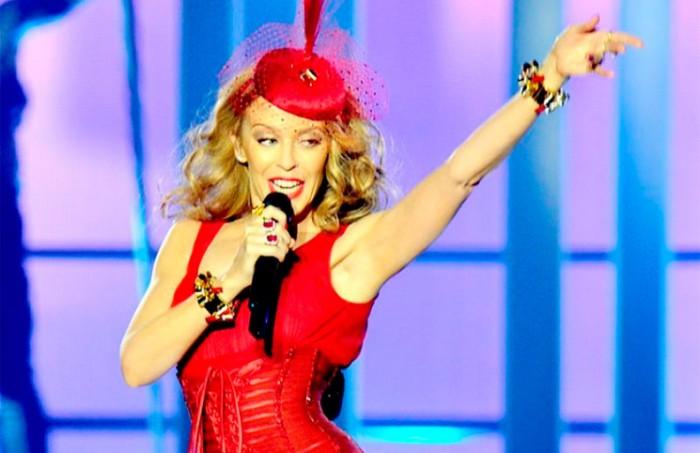 Vestido sexy de estilo pin-up de Kylie Minogue